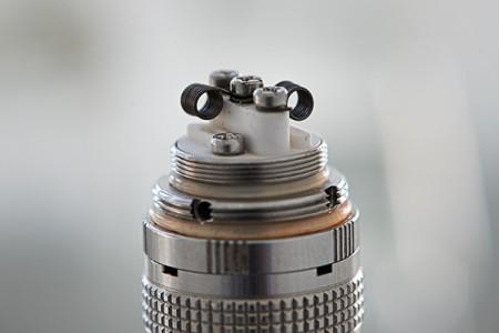 SMOK X-PURE mit Microcoil. Acht Windungen 0.5 Ohm